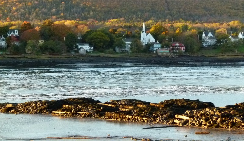 View of the shores from Annapolis Royal accross the Annapolis Basin.